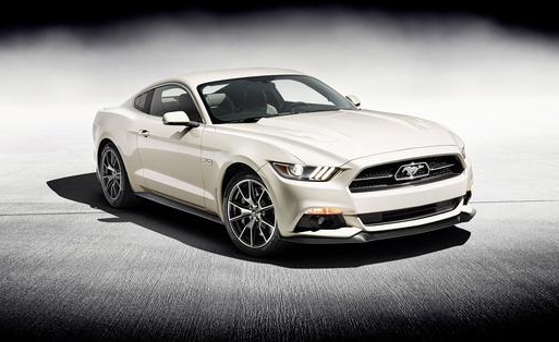 Ford Mustang 2015 50th anniversary devant