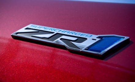 2013-chevrolet-corvette-zr1-badge-photo-496401-s-1280x782